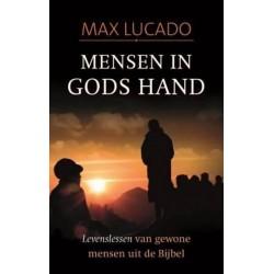 Mensen in Gods hand